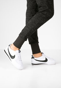 Nike Sportswear - CORTEZ - Baskets basses - white/black