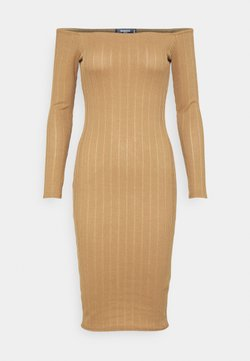 Missguided Petite - TEXTURE BARDOT BODYCON DRESS - Etuikleid - brown