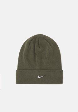 Nike Sportswear - BEANIE CUFFED UNISEX - Czapka - medium olive