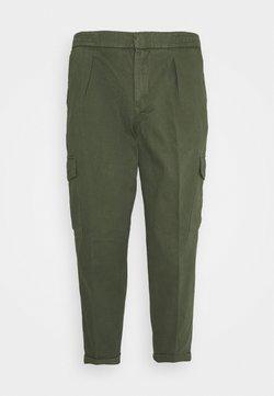 URBN SAINT - USJASPER CARGO PANTS - Pantalon cargo - thyme