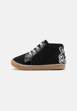 Shoo Pom - KIKKI BULLDOG - Baby shoes - black/silver