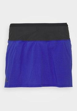 Salomon - SENSE SKORT - Pantalón corto de deporte - clemblue