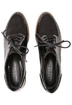 Next - FOREVER COMFORT® BROGUE DETAIL CHUNKY SOLE LACE-UPS - Sznurowane obuwie sportowe - black