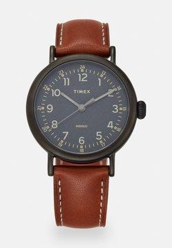 Timex - STANDARD - Montre - gunmetal/black/brown