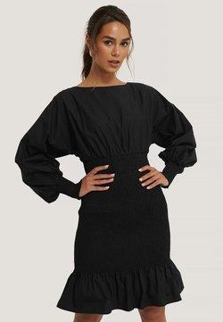 NA-KD - MIT BALLONÄRMELN - Vestido ligero - black