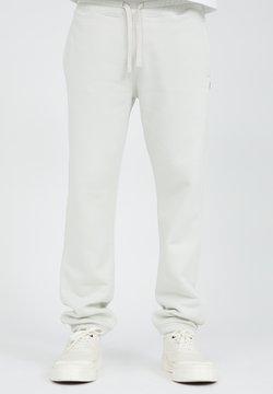 ARMEDANGELS - AADAN COMFORT - Jogginghose - white