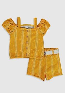 LC Waikiki - SET - Shorts - yellow