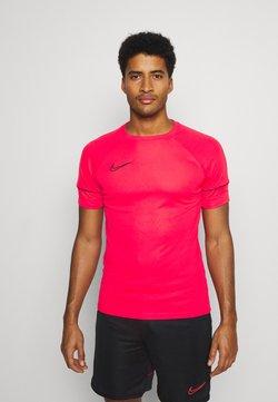 Nike Performance - Print T-shirt - siren red/black
