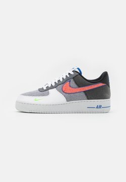 Nike Sportswear - AIR FORCE 1 '07 UNISEX - Sneaker low - white/sport red/grey/electric green/game royal/black