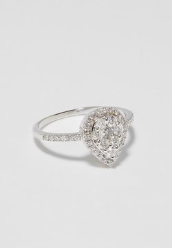 DIAMANT L'ÉTERNEL - 9KT WHITE GOLD 0.47CT CERTIFIED DIAMOND FASHION RING - Ring - silver-coloured