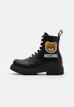MOSCHINO - Schnürstiefelette - black