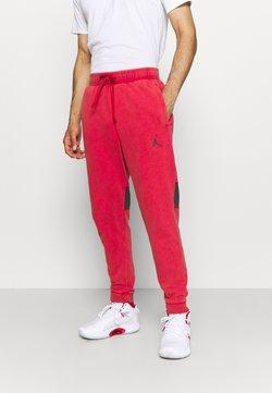 Jordan - AIR PANT - Jogginghose - gym red/black