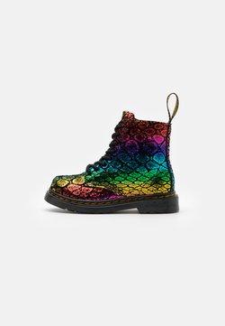 Dr. Martens - 1460 PASCAL METALLIC  - Stiefelette - black/rainbow