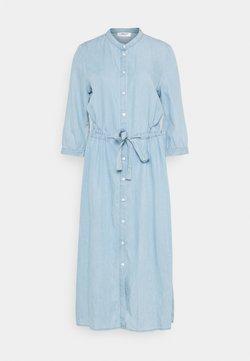 Moss Copenhagen - JAINA 3/4 DRESS - Sukienka jeansowa - light blue wash