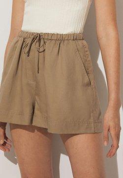 OYSHO - Shorts - brown