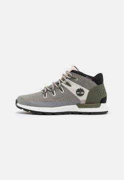 Timberland - SPRINT TREKKER MID WP ULTD - Höga sneakers - white/green