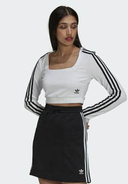 adidas Originals - LONG SLEEVE ADICOLOR FITTED - Langarmshirt - white