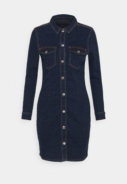 Pieces - PCSILIA DRESS - Jeanskleid - dark blue denim