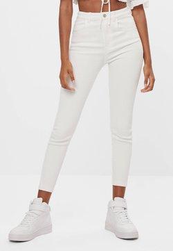Bershka - Jeans Skinny Fit - white