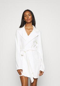 OW Intimates - ROBE - Dressing gown - white
