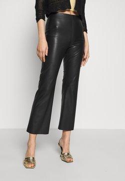Soaked in Luxury - KAYLEE KICKFLARE PANTS - Pantalon classique - black