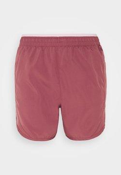 Nike Performance - TEMPO LUXE SHORT  - Pantalón corto de deporte - canyon rust/pink glaze