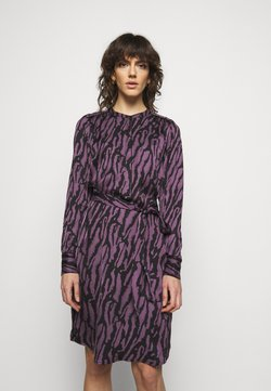 Bruuns Bazaar - ZEBRA TREE AYAN DRESS - Freizeitkleid - purple