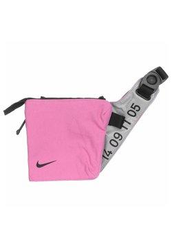 Nike Sportswear - Umhängetasche - magic flamingo/metallic silver