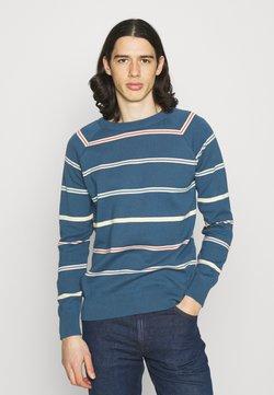 Far Afield - CARROL RAGLAN - Strickpullover - ensign blue/multi stripe