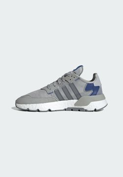 adidas Originals - NITE JOGGER BOOST SPORTS STYLE SHOES - Sneakersy niskie - grey