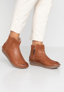 Clarks Unstructured - FUNNY MID - Ankle Boot - dark tan