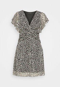 Guess - LANA DRESS - Sukienka letnia - braun