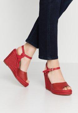 Tamaris - Korolliset sandaalit - chili