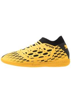 Puma - FUTURE 5.3 NETFIT IT - Chaussures de foot en salle - ultra yellow/black
