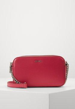 DKNY - BRYANT CAMERA BAG SUTTON - Torba na ramię - electric pink