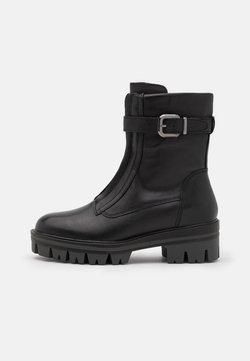 Tamaris - BOOTS - Enkellaarsjes met plateauzool - black