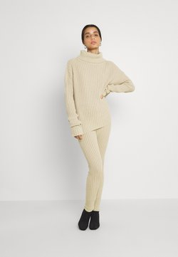 Missguided - Strickpullover - stone