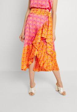 Never Fully Dressed - PINK COCKTAIL FRILL SKIRT - A-linjainen hame - pink