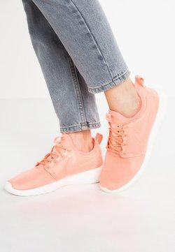 Nike Sportswear - ROSHE TWO - Sneaker low - atomic pink/sail/turf orange