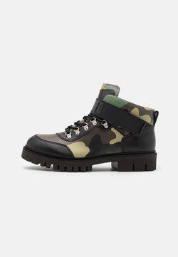 MOSCHINO - SHORT BOOTS - Schnürstiefelette - dark green