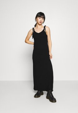 Pieces Petite - PCNEORA ANKLE DRESS PETITE  - Maxi-jurk - black
