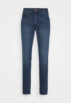 Wrangler - TEXAS TAPER - Jeans Relaxed Fit - jeststream