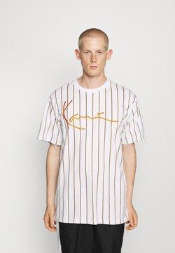 Karl Kani - SIGNATURE PINSTRIPE TEE - T-shirt con stampa - white