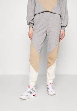 Vero Moda - VMNATALIA - Jogginghose - light grey melange/birch
