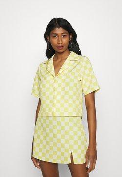 Glamorous - MAYA CROP SHIRT WITH OPEN WIDE COLLAR  - Hemdbluse - green checkboard