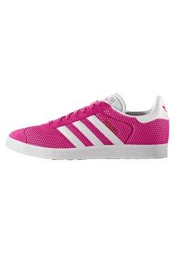 adidas Originals - GAZELLE  - Sneaker low - shock pink/footwear white