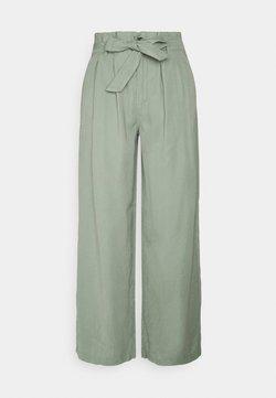 ONLY - ONLAMINTA ARIS LIFE WIDE PANT - Pantaloni - chinois green