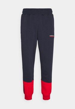 adidas Originals - 3 STRIPE SPLIT - Spodnie treningowe - legend ink/red