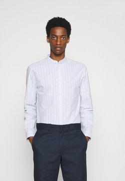 Selected Homme - SLHSLIMMILTON STRIPES - Businesshemd - dark blue