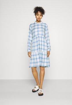 JDY - JDYSTAY BELOWKNEE SHIRT DRESS - Blusenkleid - cashmere blue